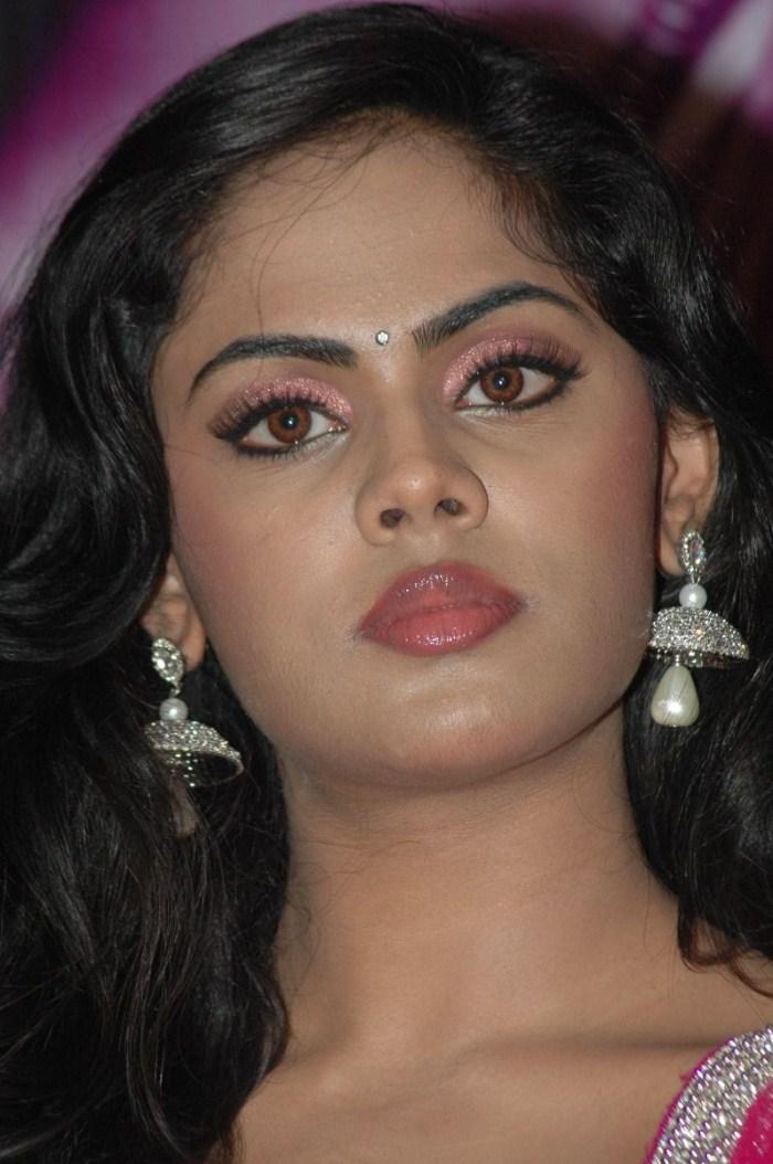Amisha patel boobs - 2 part 6
