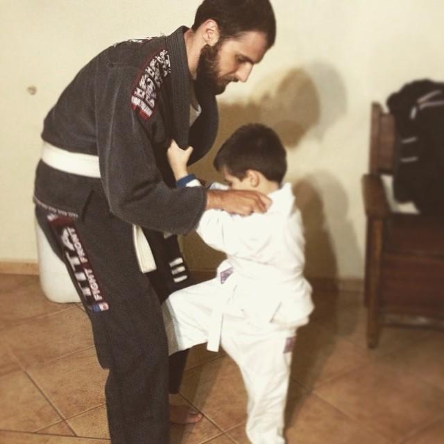Noris pai e Noris filho treinando judô