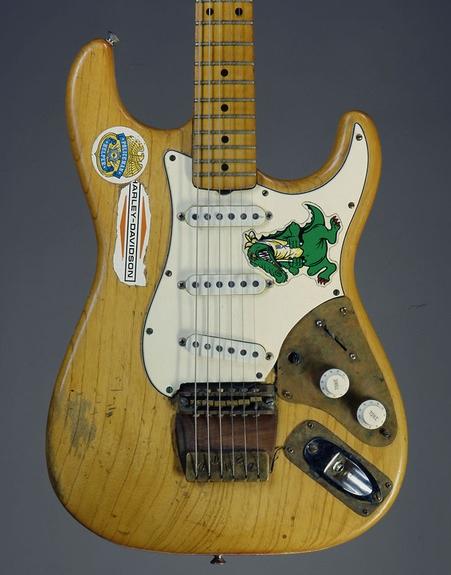 THE UNIQUE GUITAR BLOG: The Grateful Dead - Jerry Garcia\'s Guitars