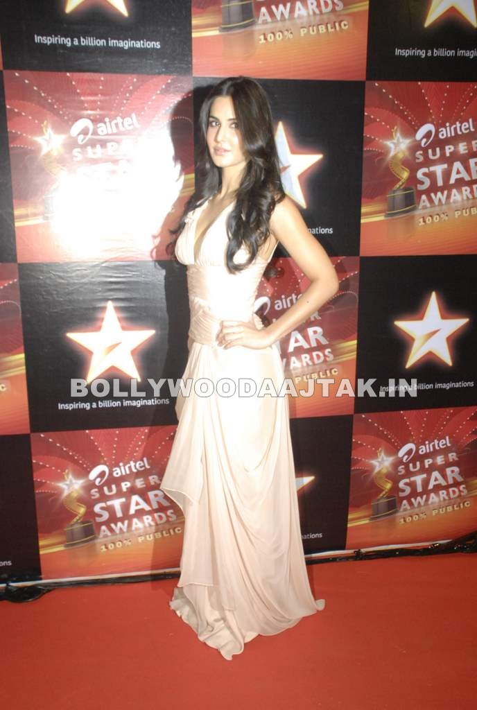 Katrina Kaif at Star Superstar Awards 20111 - Katrina Kaif in Beautiful Gown at Star Superstar Awards 2011