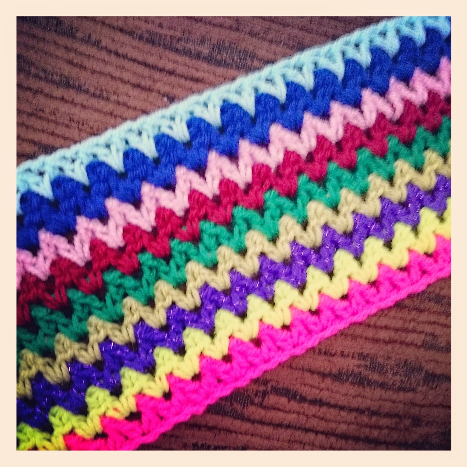 Crochet Stitches V Stitch : ... Sparkles Blog: Crochet V Stitch Travel Blanket - My latest crochet WIP