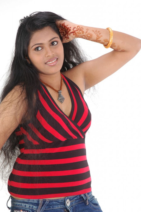 spicy movie aridharam sangeetha latest photos