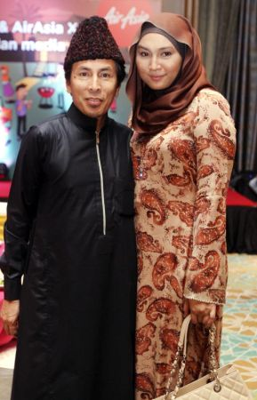 Amy Search dan Isterinya Norhaniza Hassan