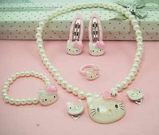 Hello Kitty jewelry sets @ 10RM -Export to Japan (Last lot)