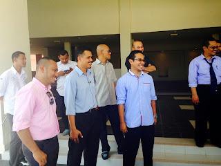 Kompleks Imtiaz|Menteri Pendidikan II Dato Seri Idris Jusuh | Tengku Zaihan