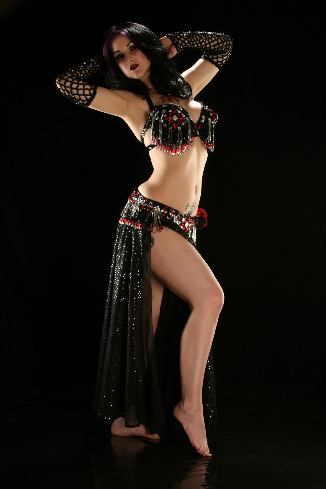 Hot Belly Dance Photos on Aztec Dancer In Mexico