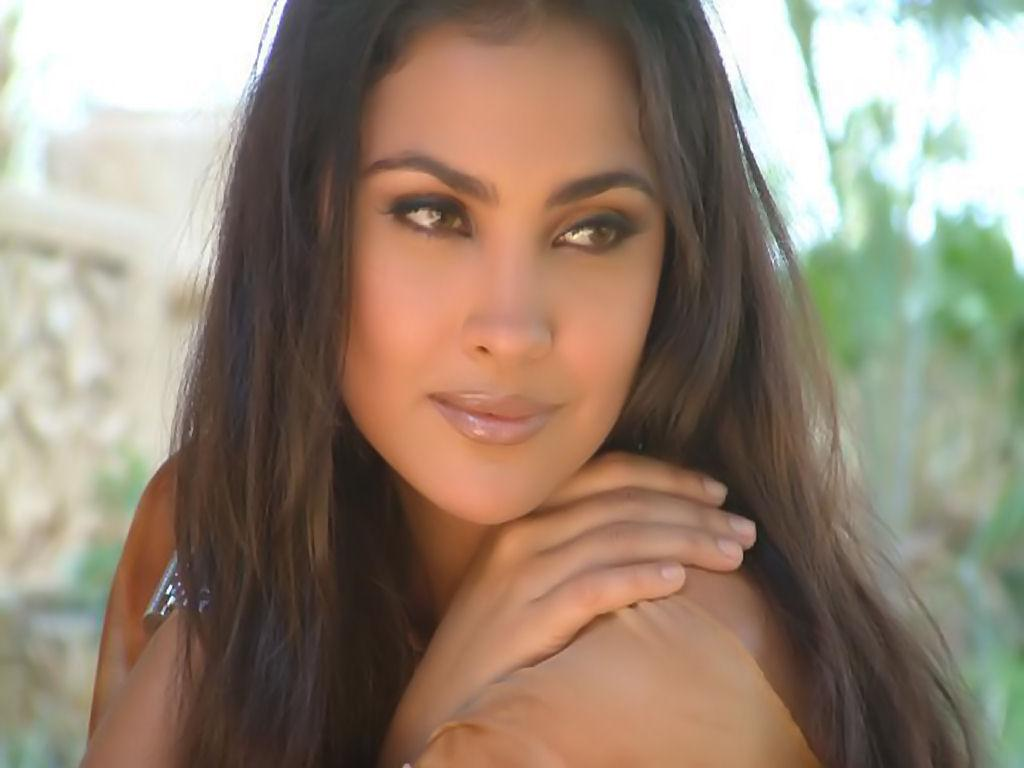lara dutta movies - photo #2