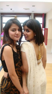 Pakistani Girls In Hot Saree