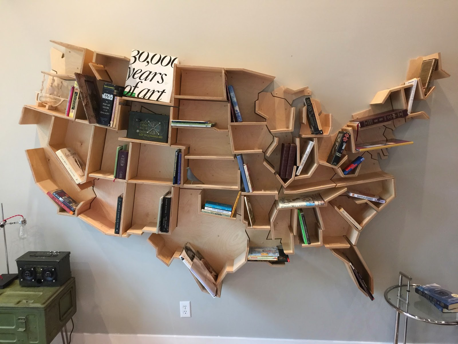 Pipeline usa bookshelf how to a few months back the apartment therapy blog had a post on unusual bookshelves one of the featured pictures was a usa map bookshelf built by some gumiabroncs Choice Image
