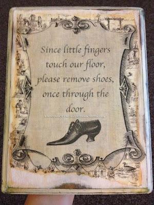 http://www.lifestylesofthestayathomemom.com/2014/01/please-remove-shoes-sign-tutorial.html