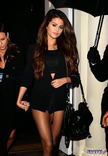 Selena Gomez in Sexy Black Dress in London 1.jpg