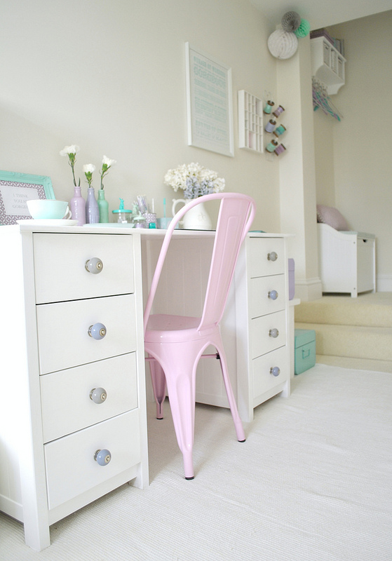 la pivoine gourmande une chambre d 39 amis pastel. Black Bedroom Furniture Sets. Home Design Ideas