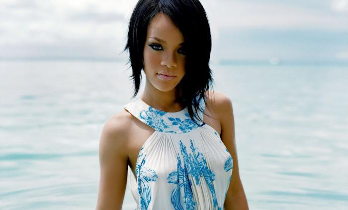Rihanna HD Wallpaper -10