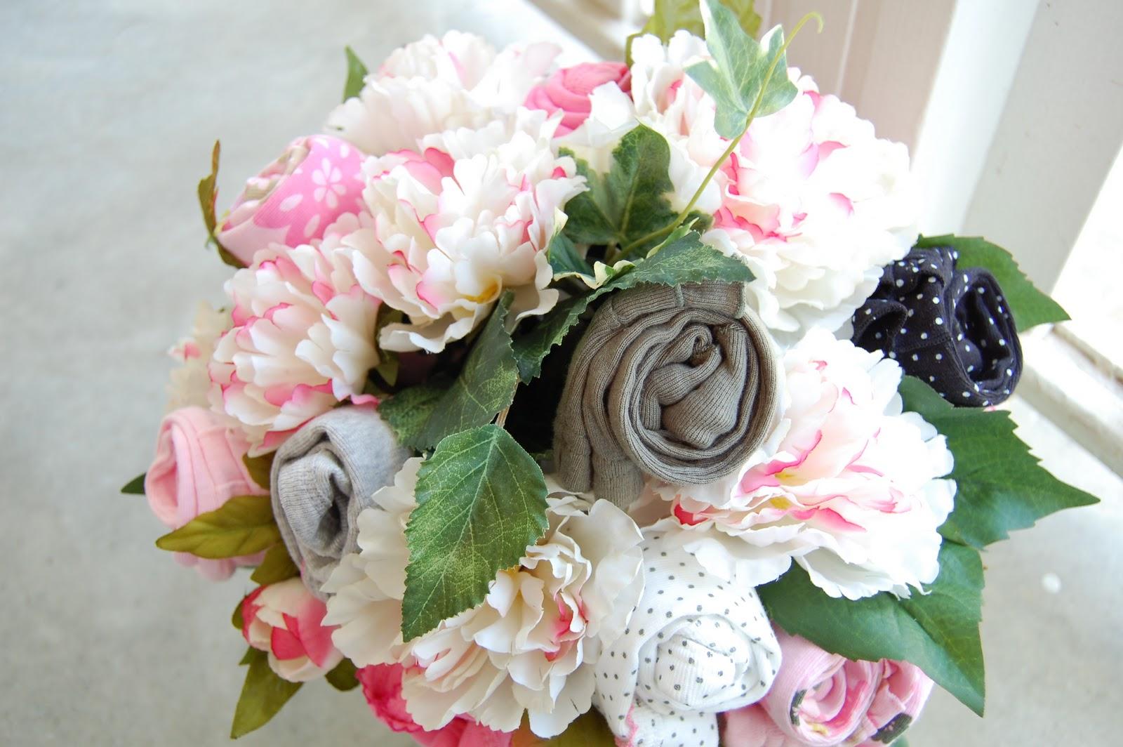 Prettysweet baby shower onesie bouquets izmirmasajfo Choice Image