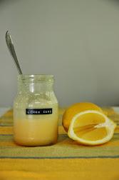 Kokeile laskiaispullan väliin lemon curdia!