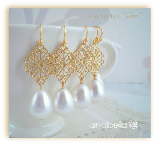 pendientes elegantes de perlas