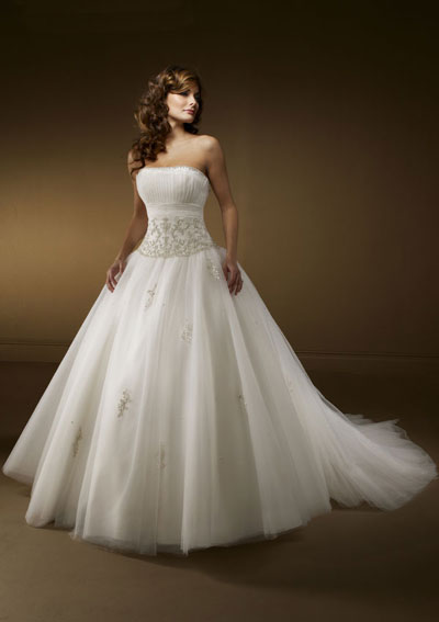 White Wedding Dresses For  : Big white wedding dress designs