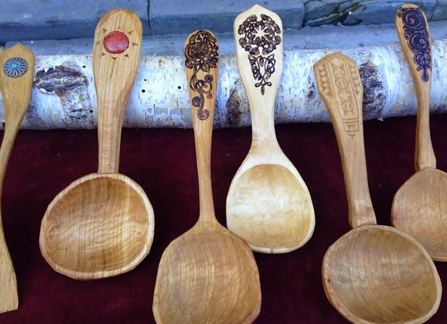 Artisanat français - Vaisselle et couvert bois - ©lovmint