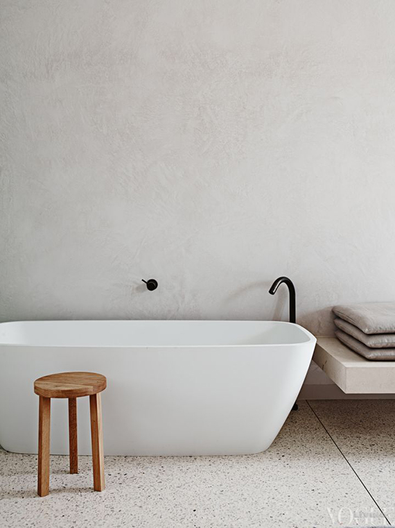 Minimalistic bathtub | Vogue Living