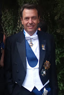 Augusto Ferrer-Dalmau Caballero de la Orden Imperial de Carlos V,