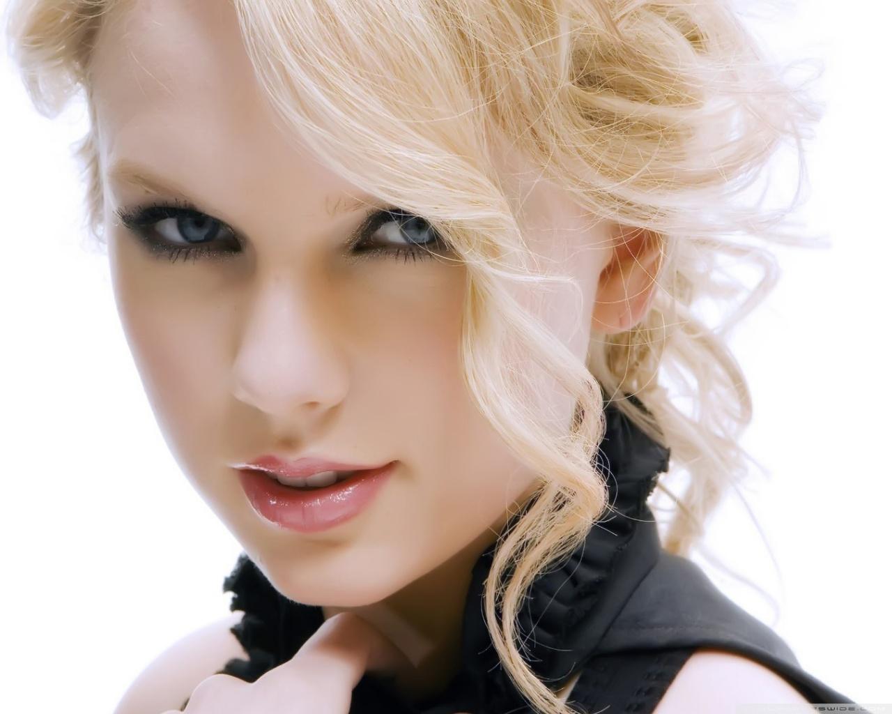 Taylor Swift 2012 Calendar Taylor Swift 2012 Wall