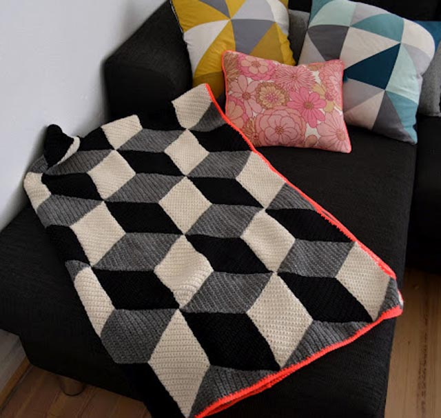 crochet blanket with 3d squares - LOVE it! handgehaakt.blogspot.com