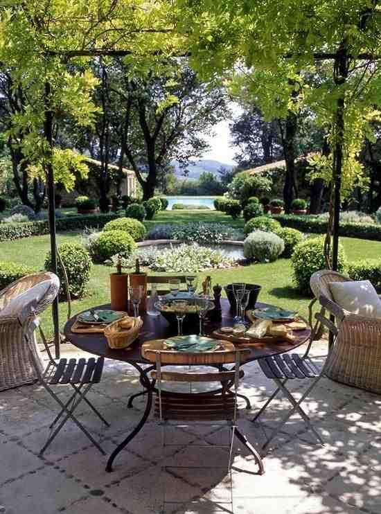 Meble ogrodowe, inpsiracja aranżacji tarasu, stół ogrodowy, krzesła ogrodowe