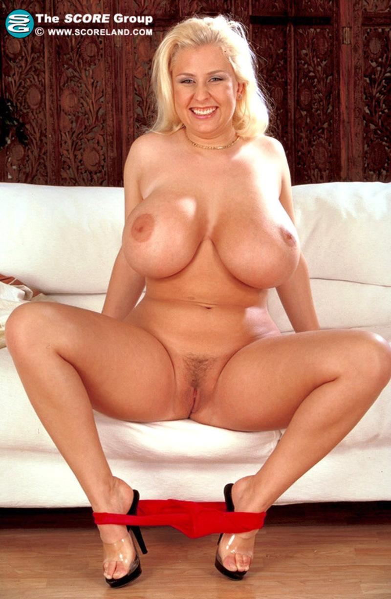 Busty julia nude