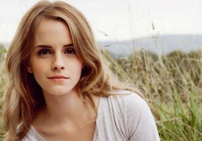 Emma Watson Artis Muda Paling Seksi