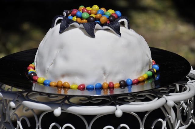 vulcano torta M&M's