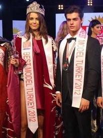 best-model-2012-birincileri-berk-atan-sezgi-sena-akay