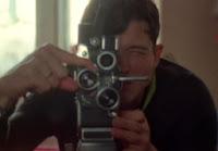 Fowler filmando para uno de sus experimentos