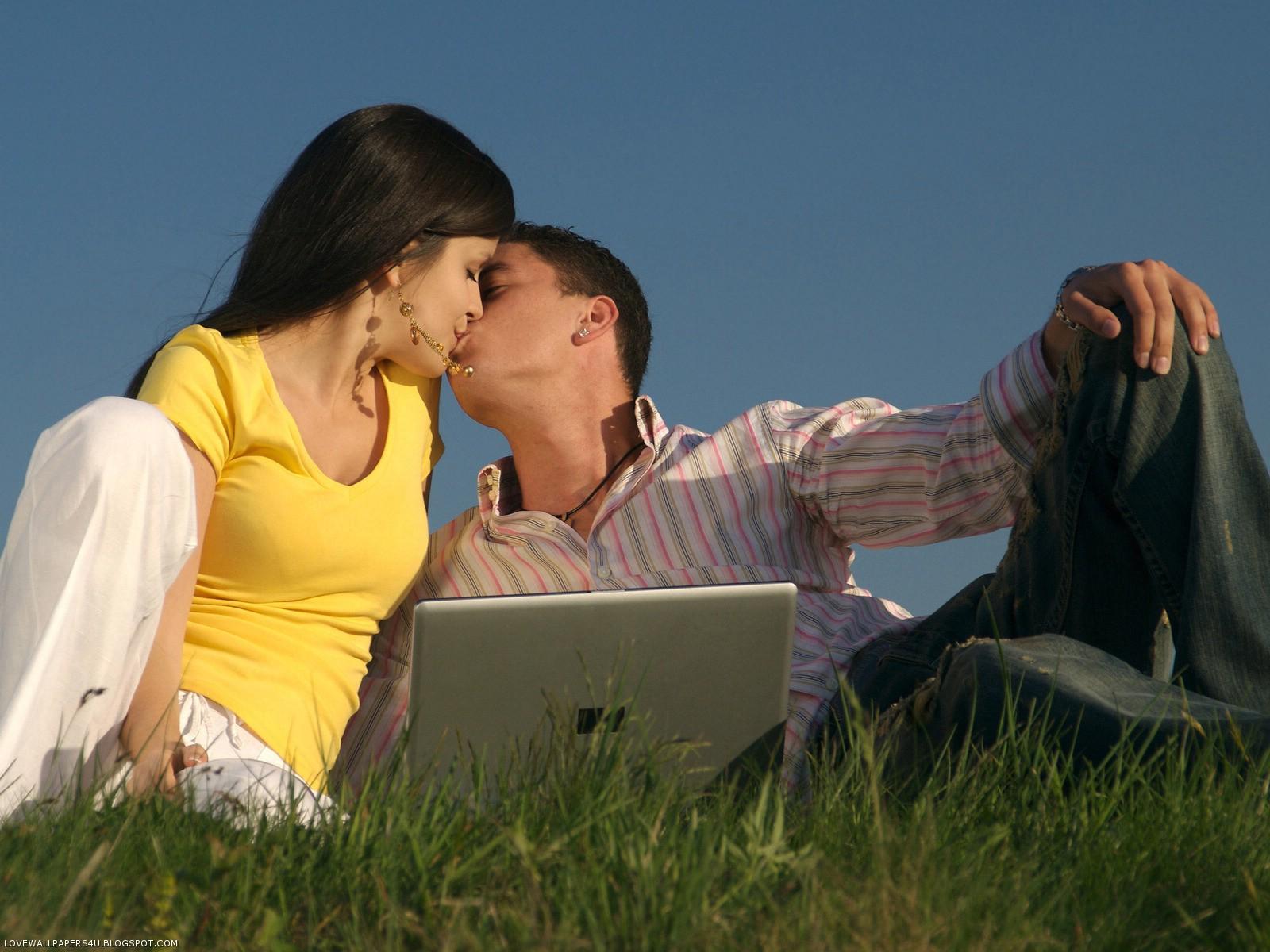 http://3.bp.blogspot.com/-QyN-3IhRfXs/T0sv4Nsk8rI/AAAAAAAADyM/alH1fFLpujs/s1600/kiss-of-love.jpg