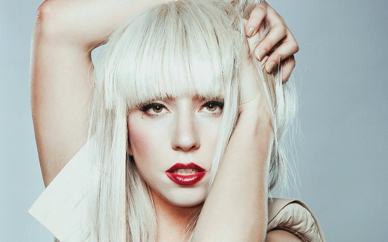 http://3.bp.blogspot.com/-QyRAwhAgN10/TwyOP4VuF1I/AAAAAAAAAmo/x1KzON-iDu4/s1600/lady-gaga-hair-style-wallpaper.jpg