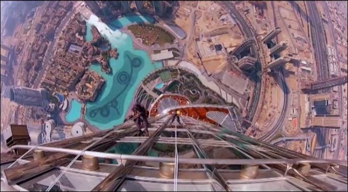 Burj khalifa window cleaners to spend months on worlds for Burj al mamlakah