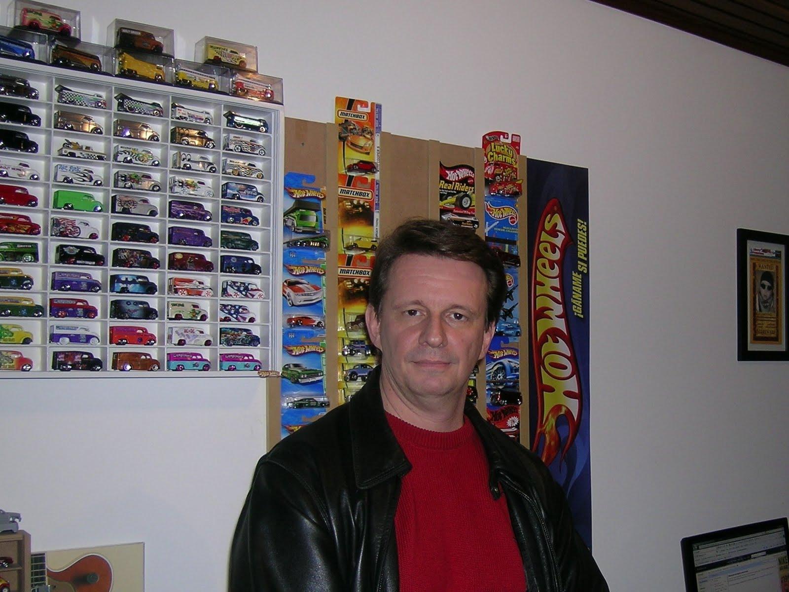 http://3.bp.blogspot.com/-QyWiaFbydms/Tm3uqrDS3VI/AAAAAAAADNU/x4PpecvaPNc/s1600/CARLOS+DARIZ.JPG
