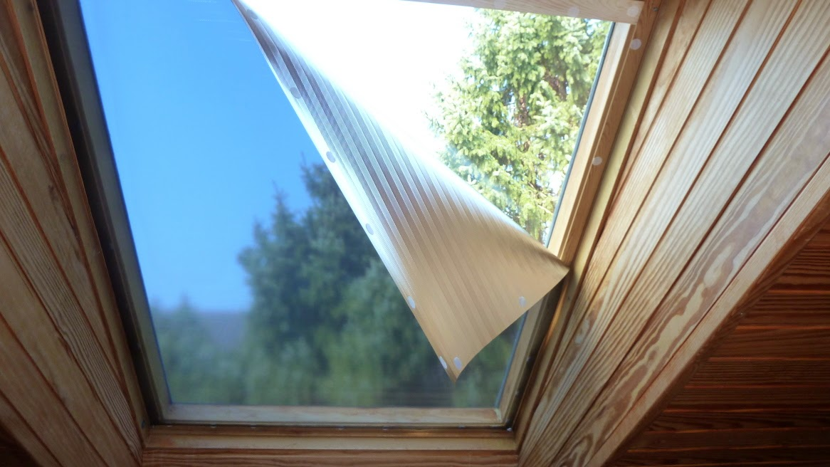 sonnenschutzfolie abnehmbar dachfenster innen. Black Bedroom Furniture Sets. Home Design Ideas