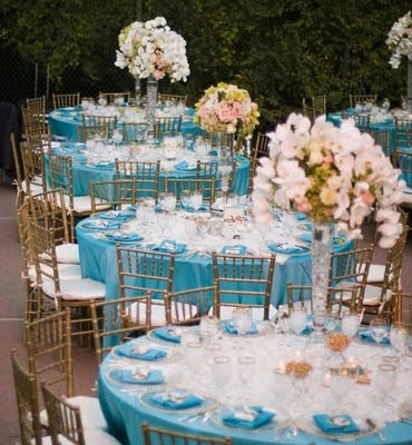 Wedding flowers wedding flowers centerpieces for Baby blue wedding decoration ideas