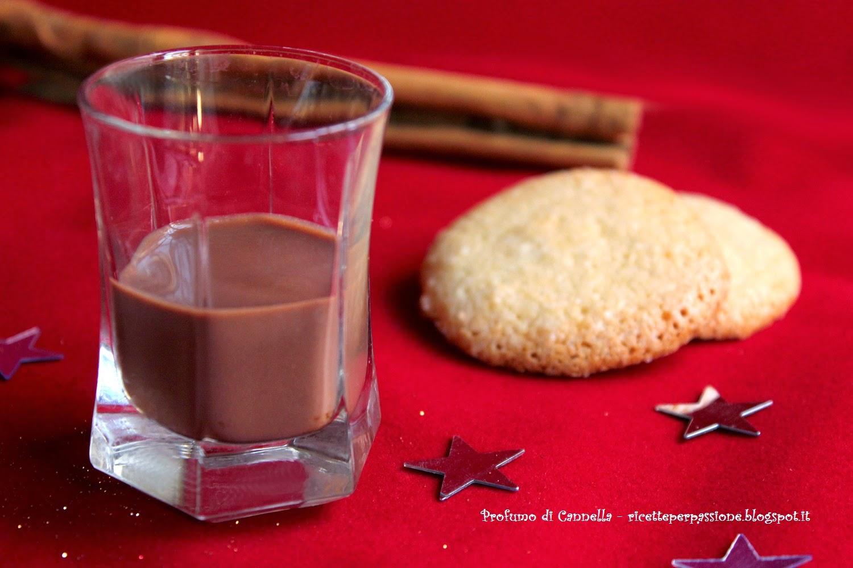 crema di liquore al cioccolato al profumo di arancia e cannella - buone feste!