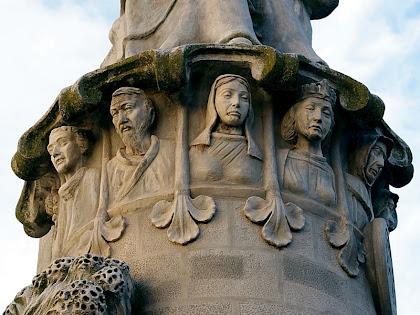 Les set virtuts del Monument al Pare Claret