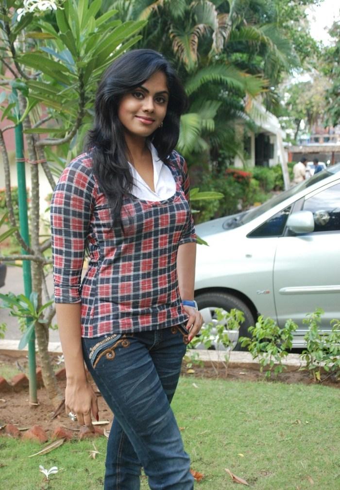 Karthika Nair In Jeans