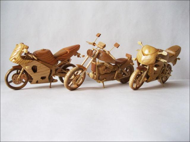 Vyacheslav Voronovich: wooden mini bikes