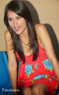 Cinta Laura Pics