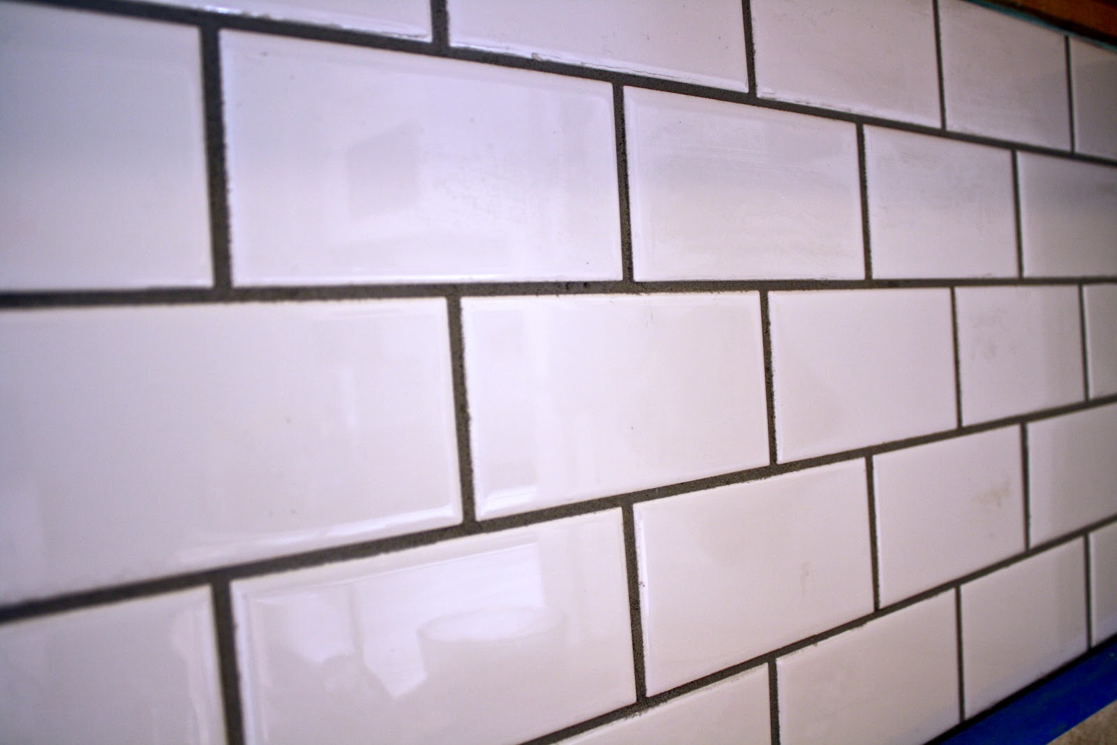 What im loving today diy subway tile backsplash diy subway tile backsplash dailygadgetfo Gallery