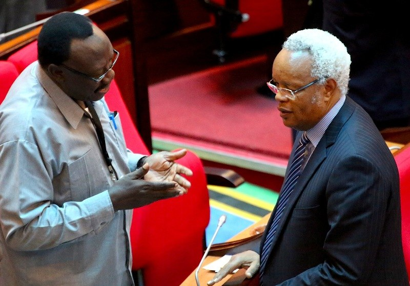 Ibrahim Lipumba (kijivu) na Edward Lowassa