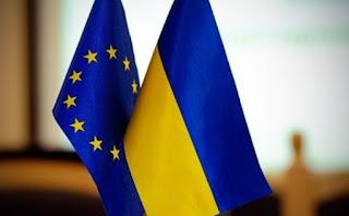 EU-Ukrán zászlók
