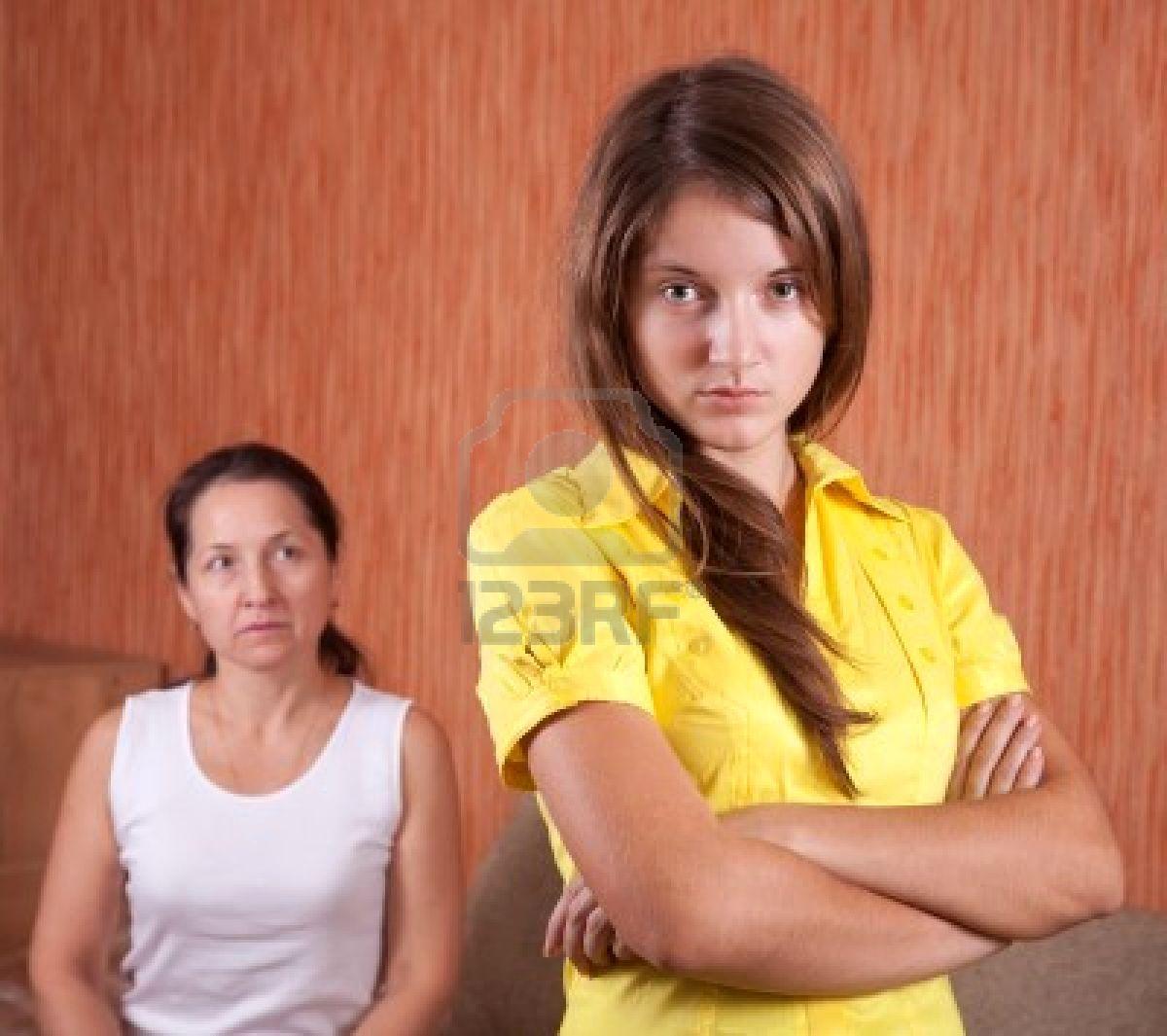 Tarea abruma a las madres adolescentes