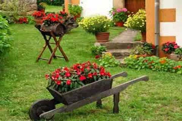 Jardins residenciais r sticos v rias for Jardins pequenos e simples