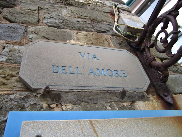 Via dell'amore trail in Cinque Terre, Italy.