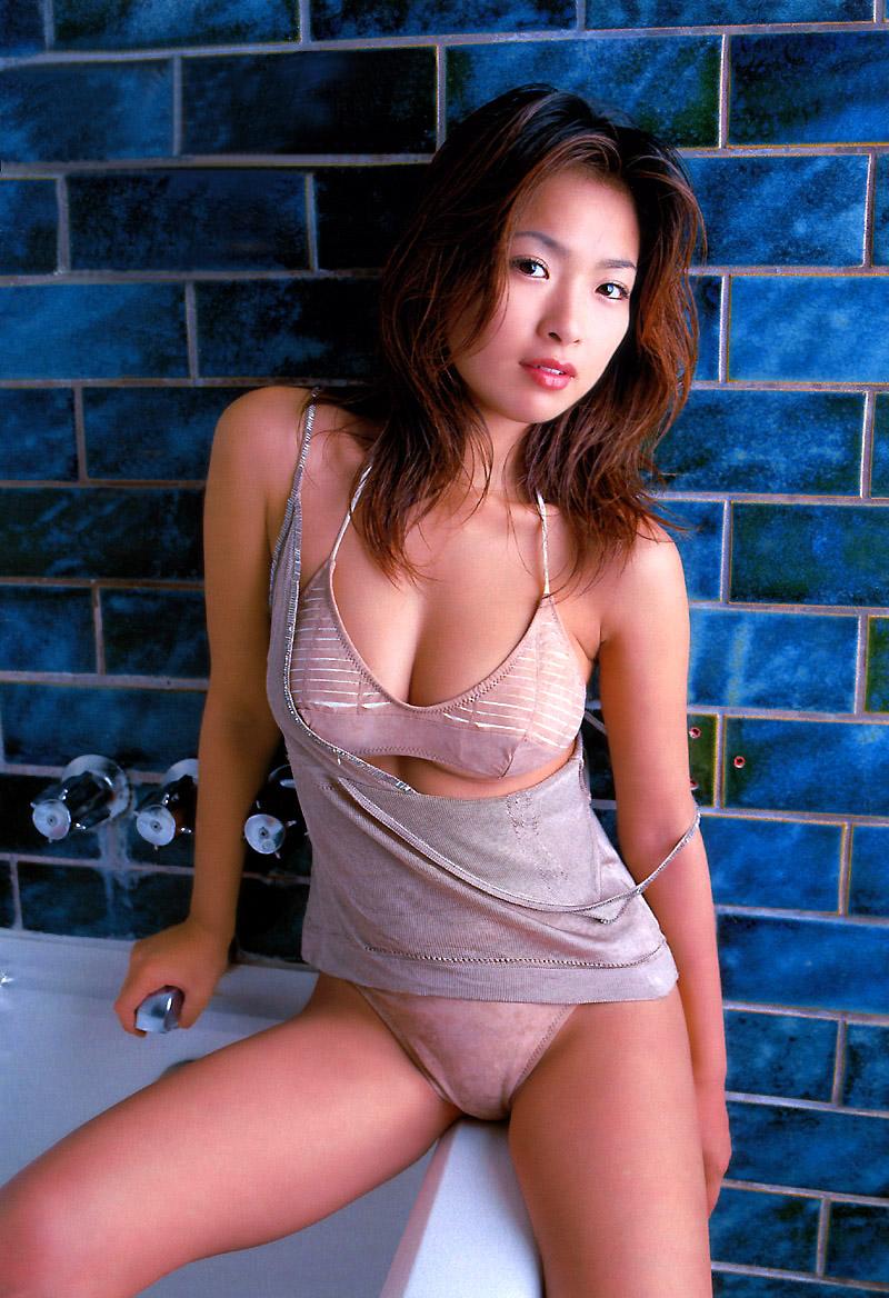 sexy japanese girls bikini naked